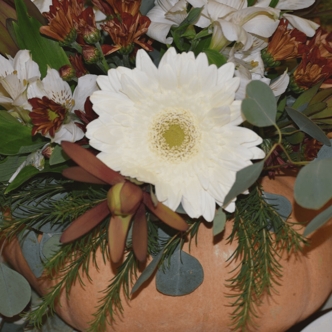Here's a close-up of the pretty pumpkin arrangements.