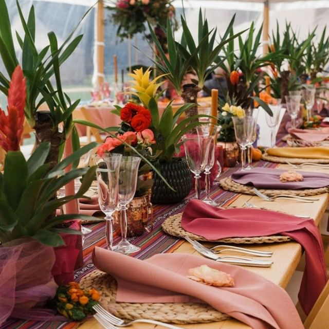 So much love for this colourful, tropical themed table setup!  There were even pineapples as decoration🍍 I'm all for that!! ⠀ ⠀ venue | @coastaltents @dorsetfarmparty⠀ styling | @rosiebarrettevent⠀ prop hire | @fabulouscompany⠀ flowers | @marthaandthemeadow⠀ ⠀ ⠀ #charisworthfarm⠀ #tropical⠀ #weddingtabledecor⠀ #bohoinspiration⠀ #colourfulwedding⠀ #bohobride⠀ #bohowedding⠀ #weddingflowers⠀ #weddinginspiration⠀ #weddingdecor⠀ #weddingreception⠀ #weddingideas⠀ #weddingseason⠀ #hampshirewedding⠀ #cotswoldweddingphotographer⠀ #hampshireweddingphotographer⠀ #somersetweddingphotographer⠀ #indiewedding⠀