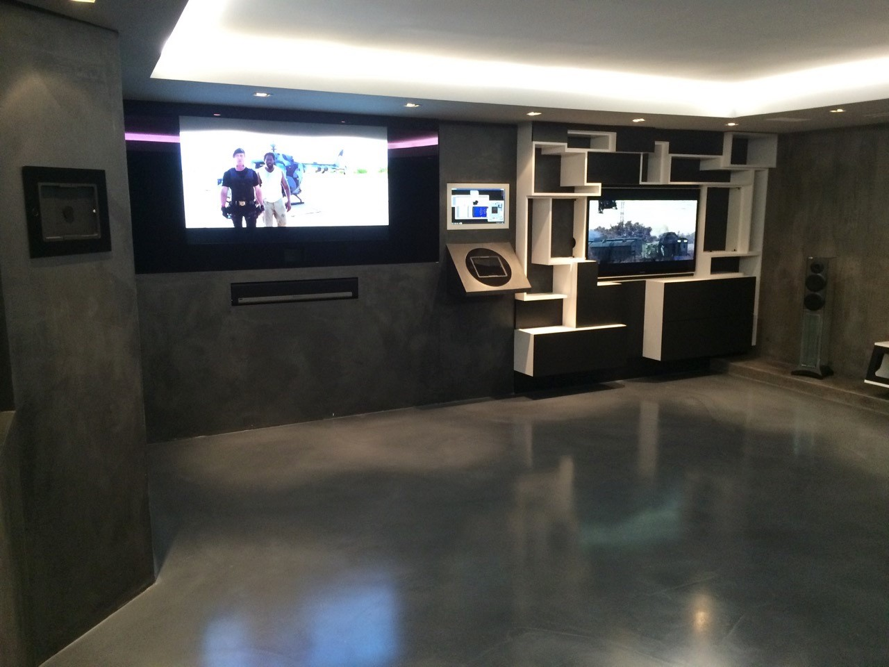 Home Theater with Square and Loop