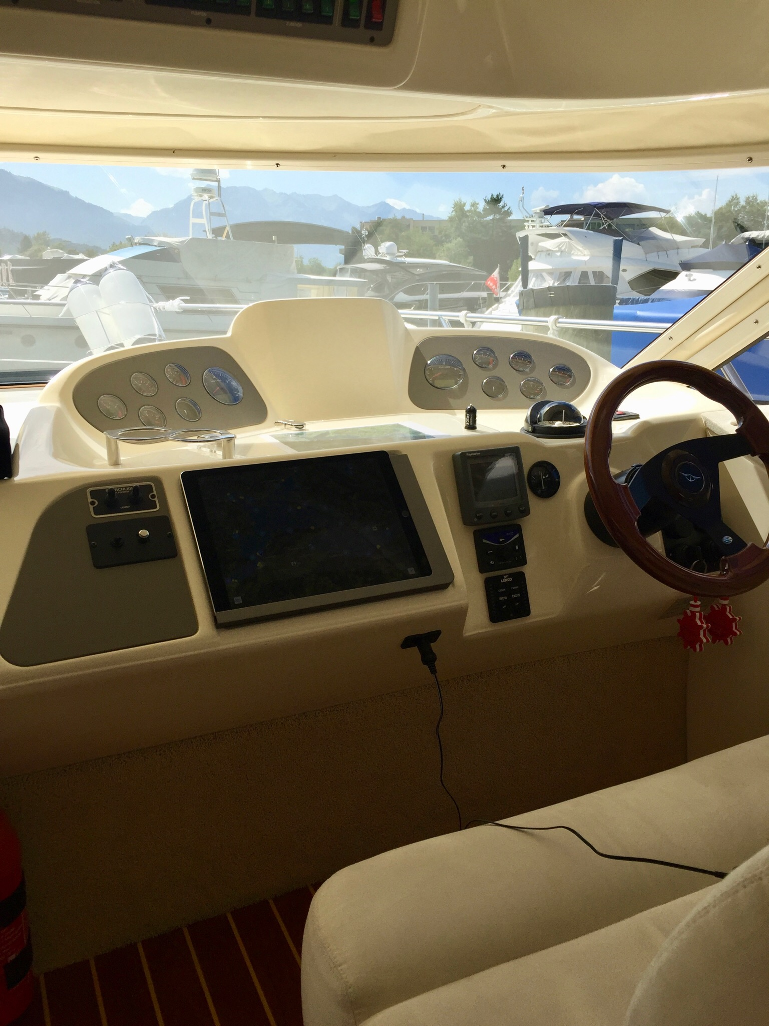 The Free Running Yacht Technology