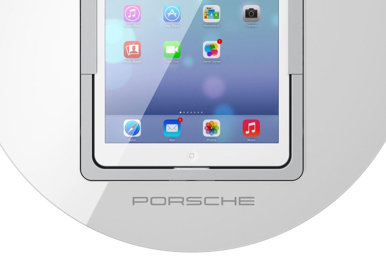 LoopDock Porsche Schriftzug white.jpg