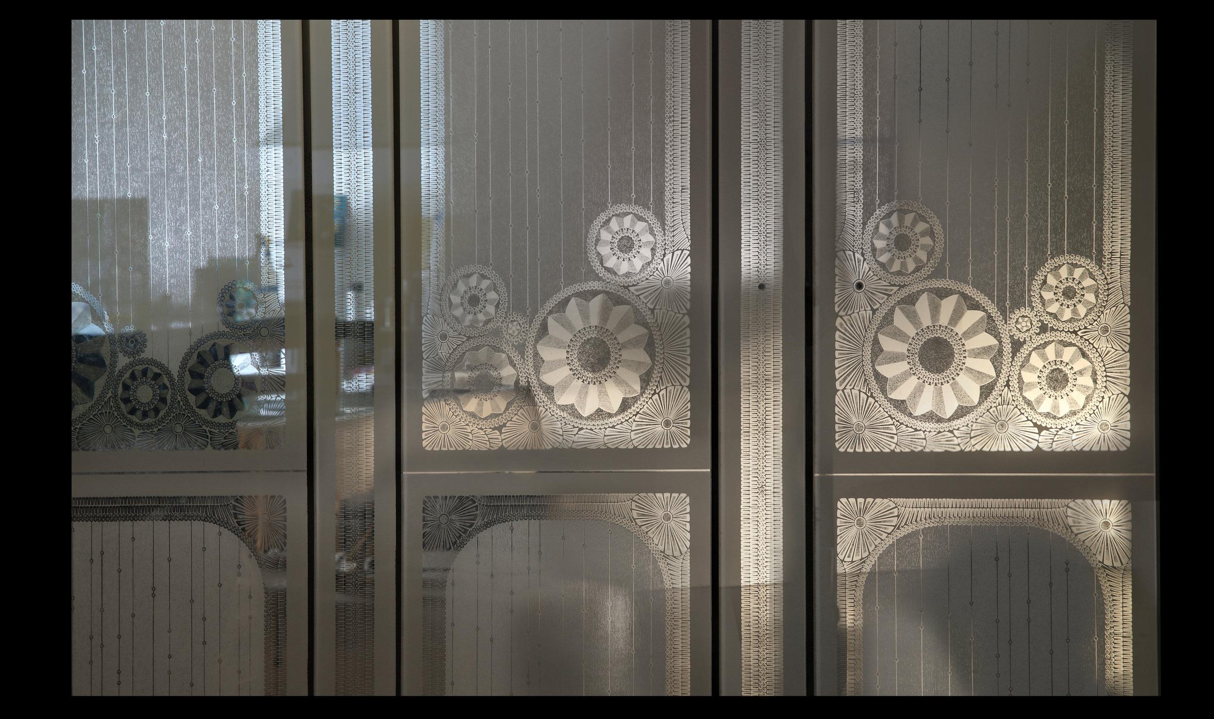 #10_E¦üGLOMISE¦ü GLASS PANELS BEFORE INSTALLATION_TWG_MASTERBATH ROOM_VILLAFRANCA STUDIO.jpg