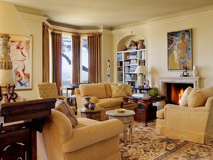 Living room  at 825 francisco street