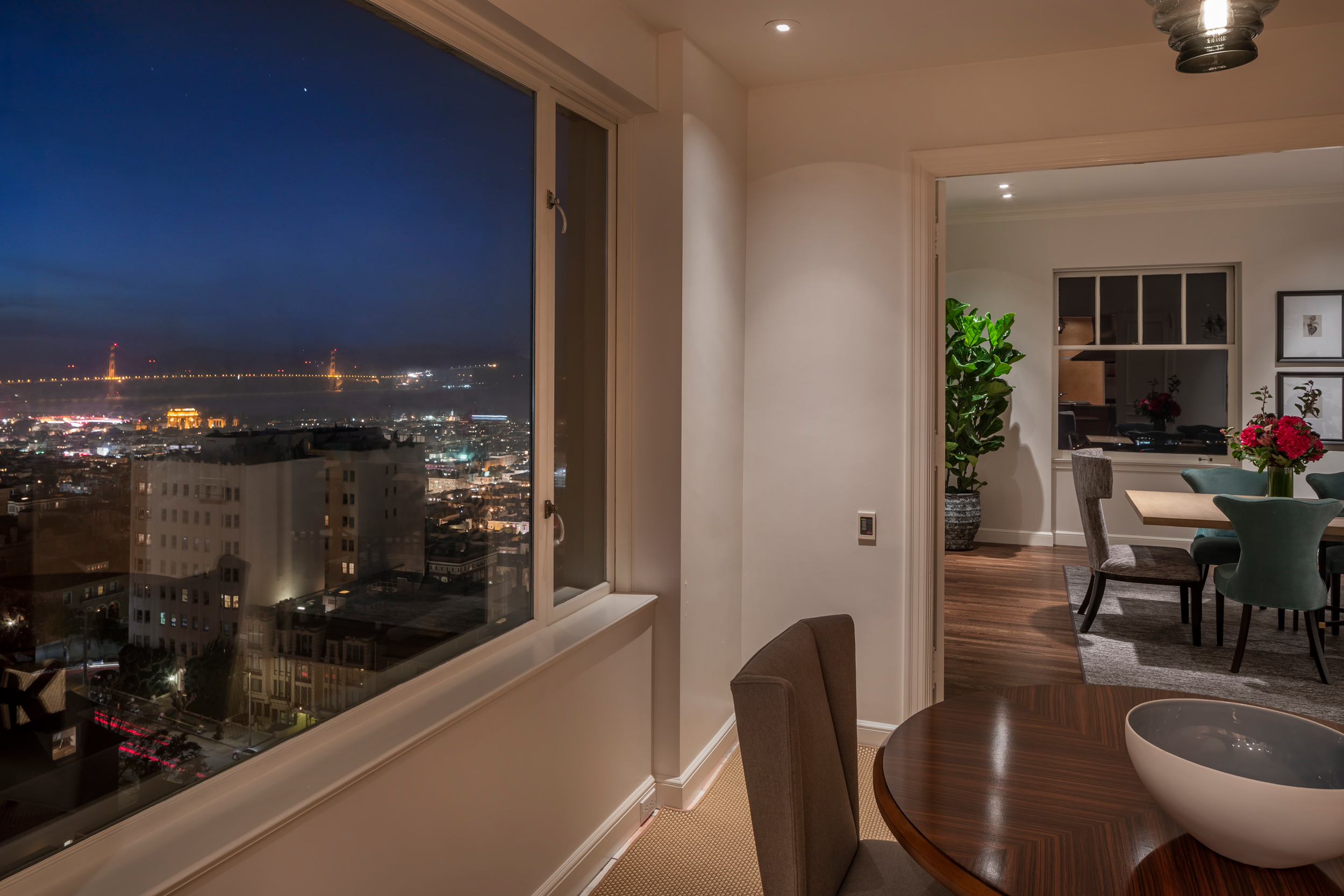 Dining_Nook_View_9013.jpg