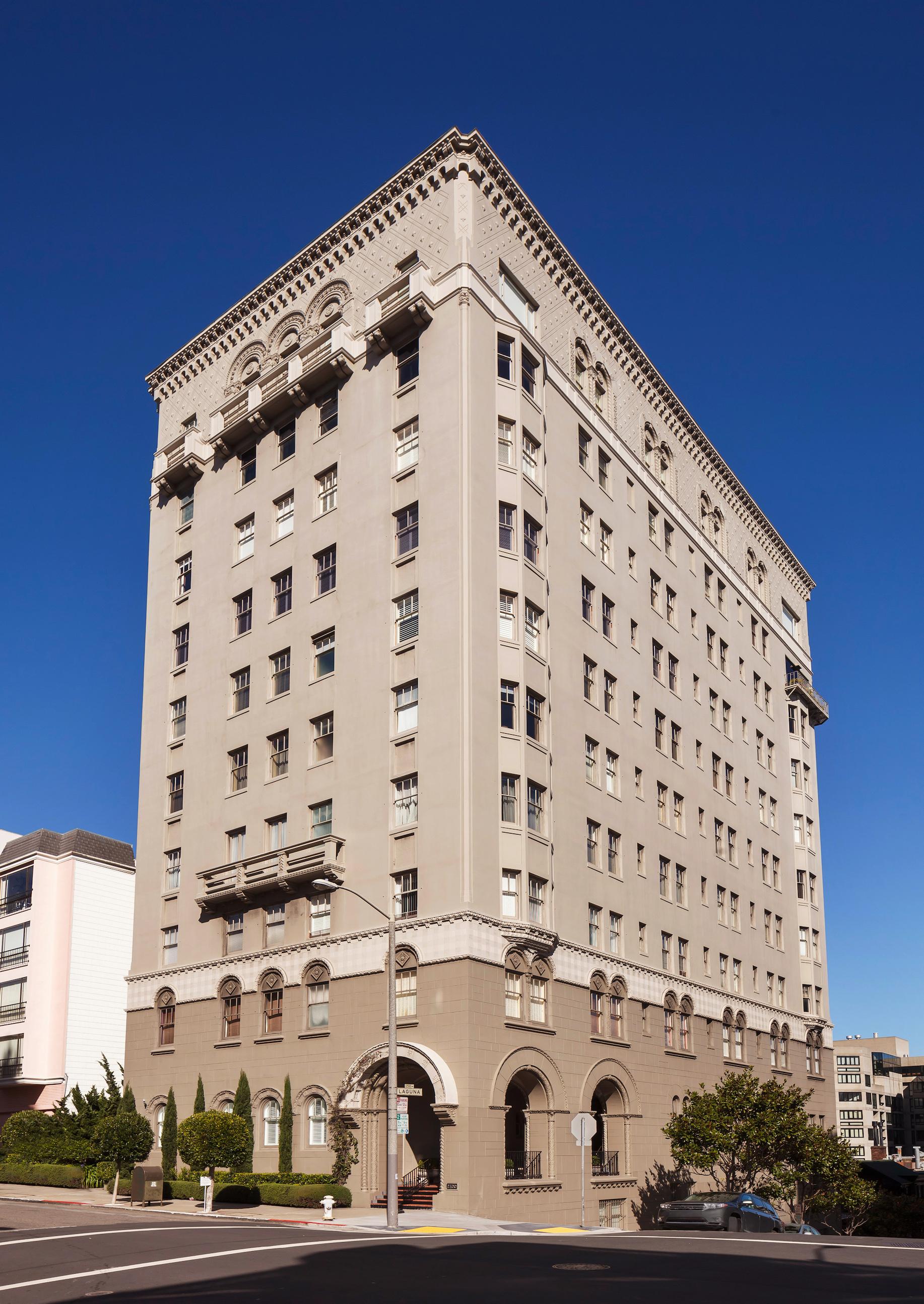 2100 Pacific Avenue Exterior