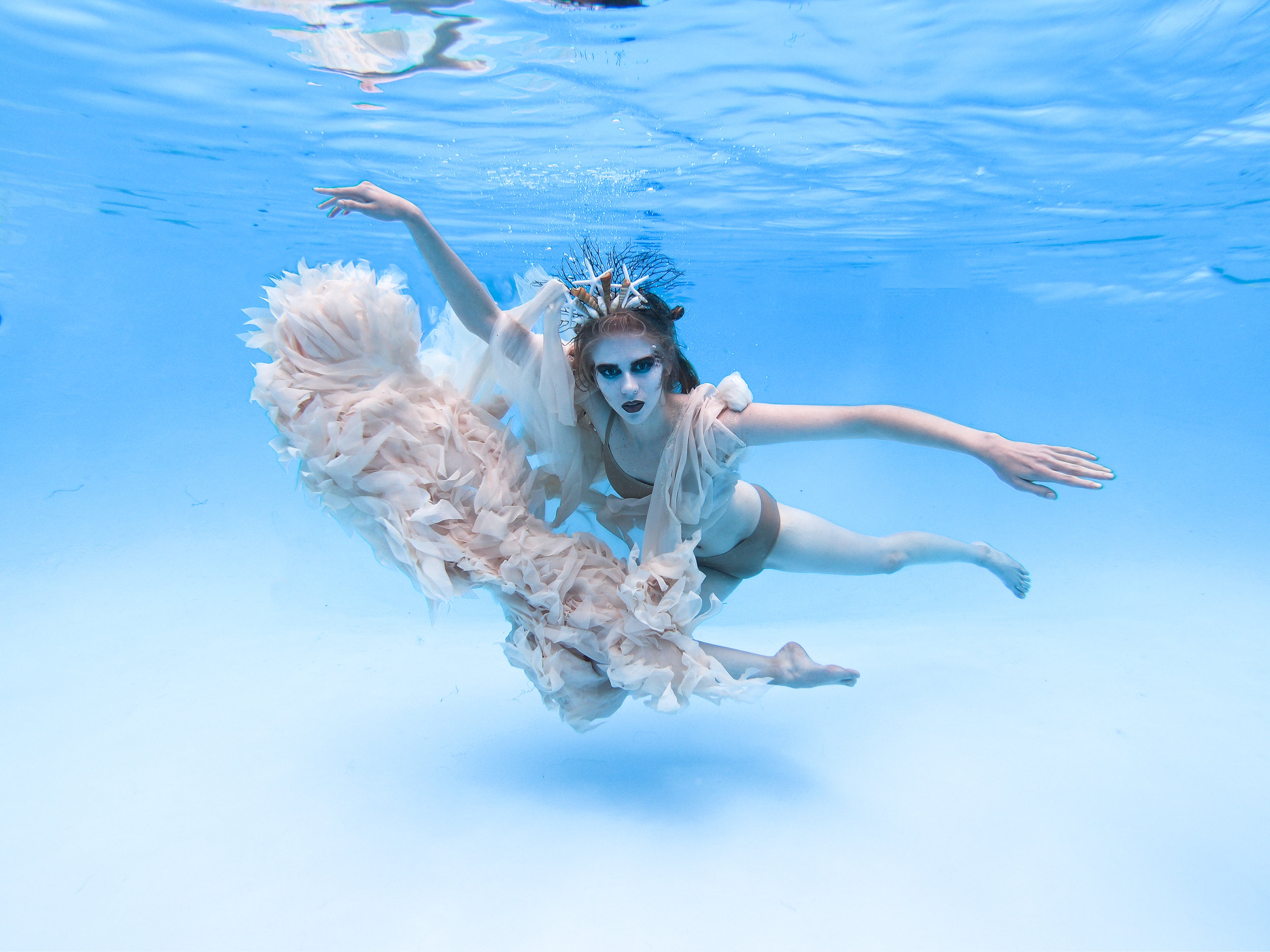 Sierra Voss Photography Mermaid Underwater