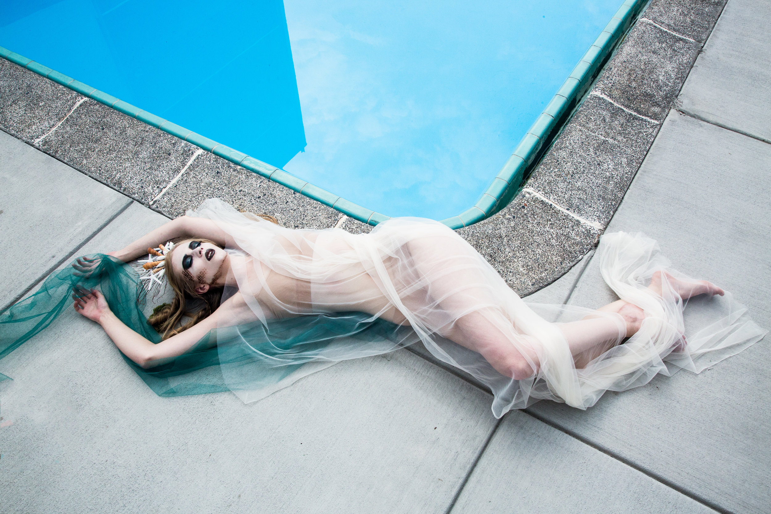 Sierra Voss Photography Mermaid Poolside Bask