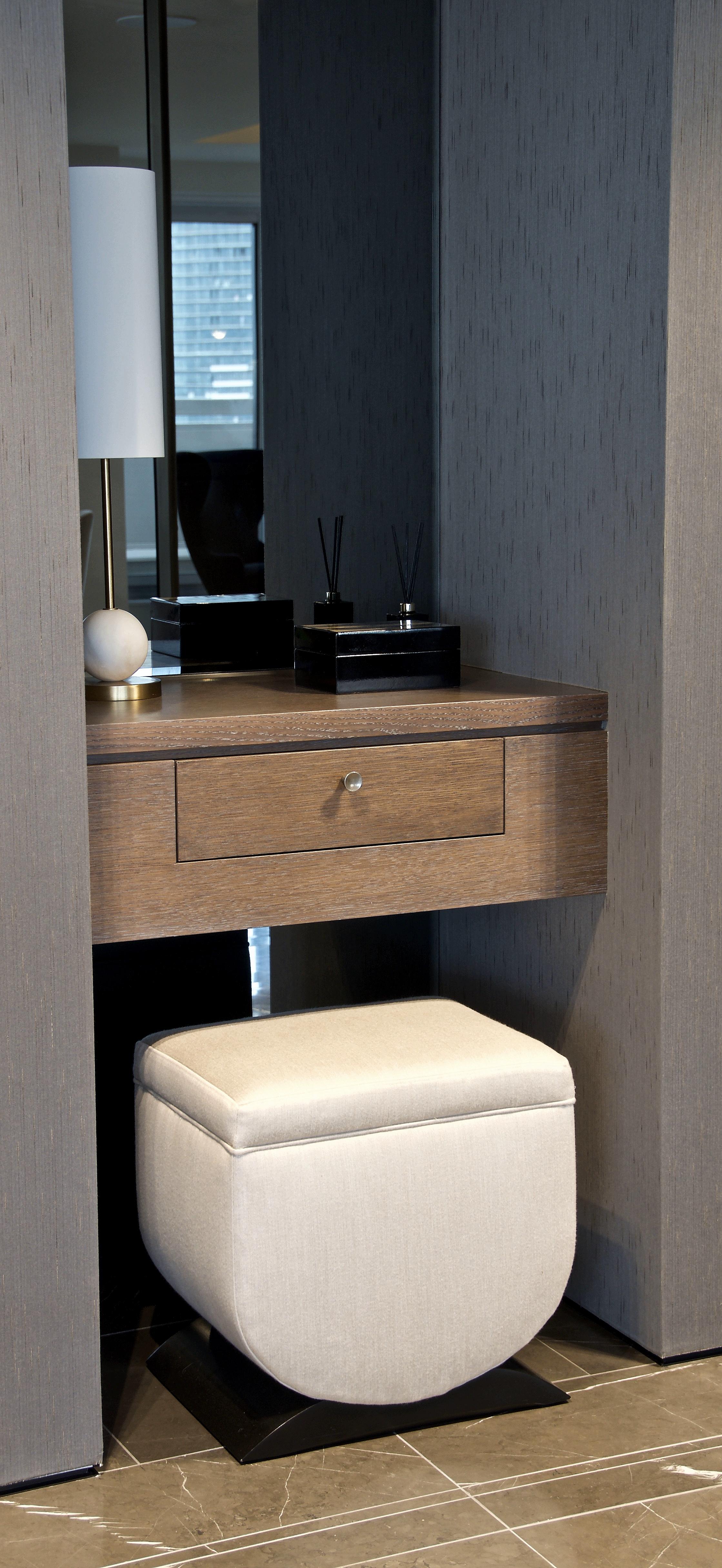 foyer table.jpg