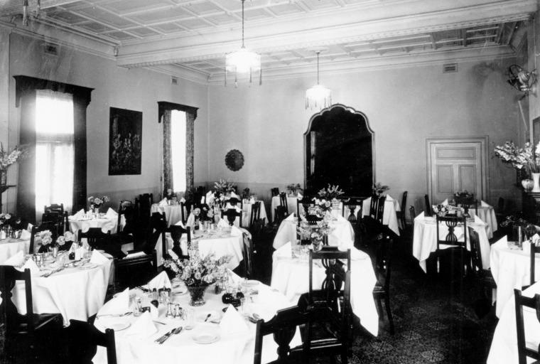Esplanade Hotel Main Dining Room, ca 1940's.