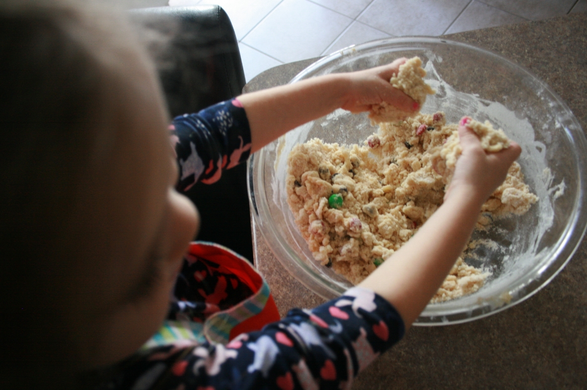Baking Christmas cookies with kids is easy with gourmet baking mixes from Bake!