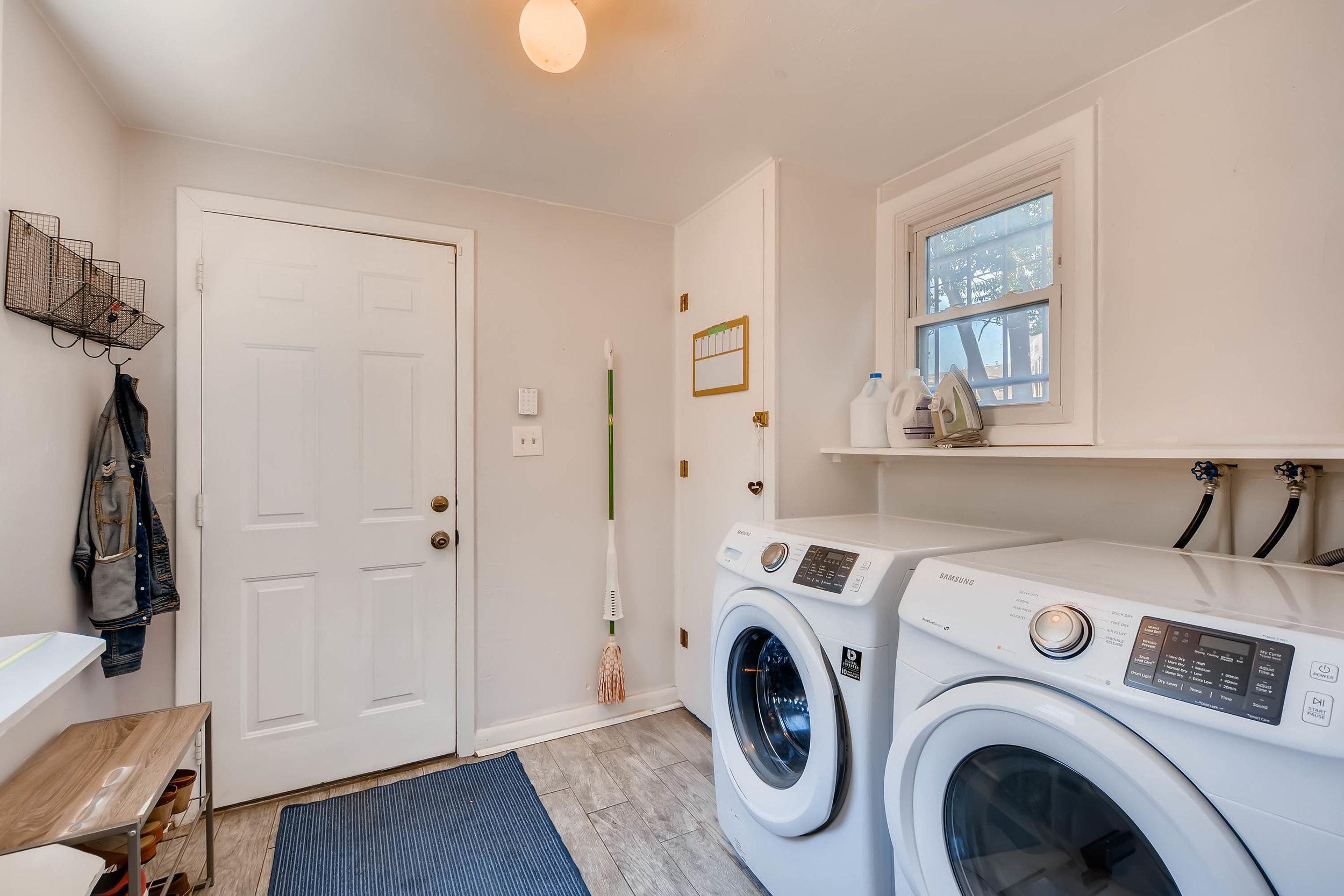 3131 California St Denver CO-print-051-46-Laundry Room-3000x2000-300dpi.jpg