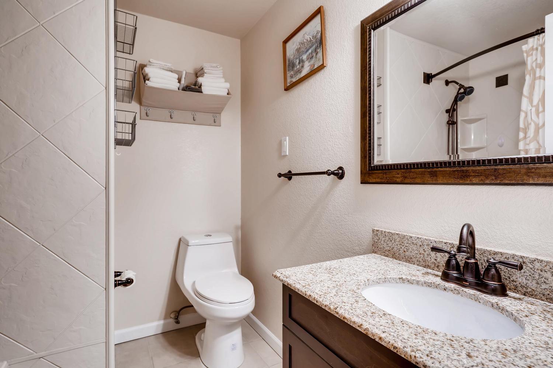 6317 W 71st Ave Arvada CO-large-019-15-Bathroom-1500x1000-72dpi.jpg