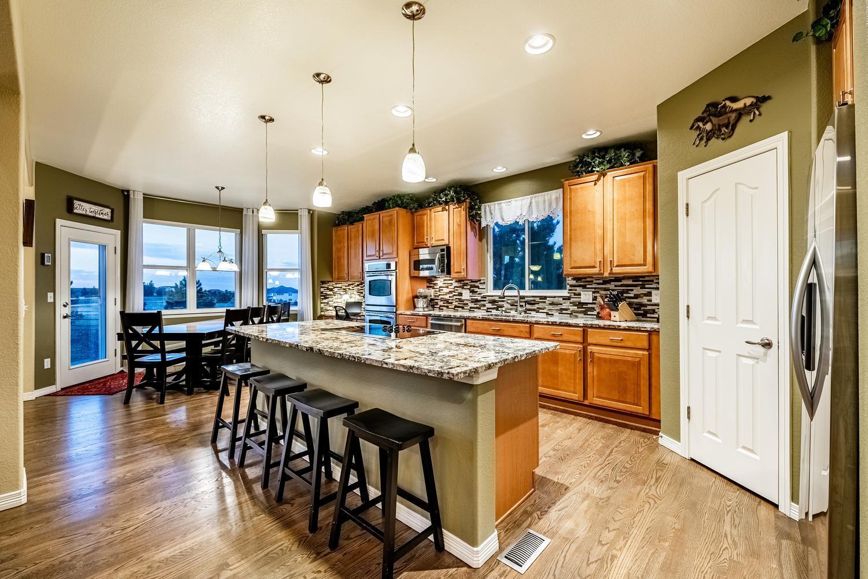 2407 Elkhorn Ranch St Parker-large-016-038-Kitchen-1500x1000-72dpi.jpg