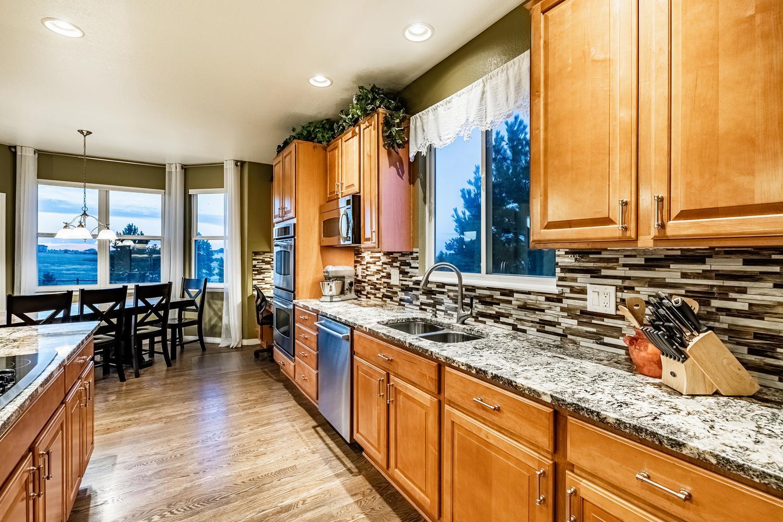 2407 Elkhorn Ranch St Parker-large-019-043-Kitchen-1500x1000-72dpi.jpg