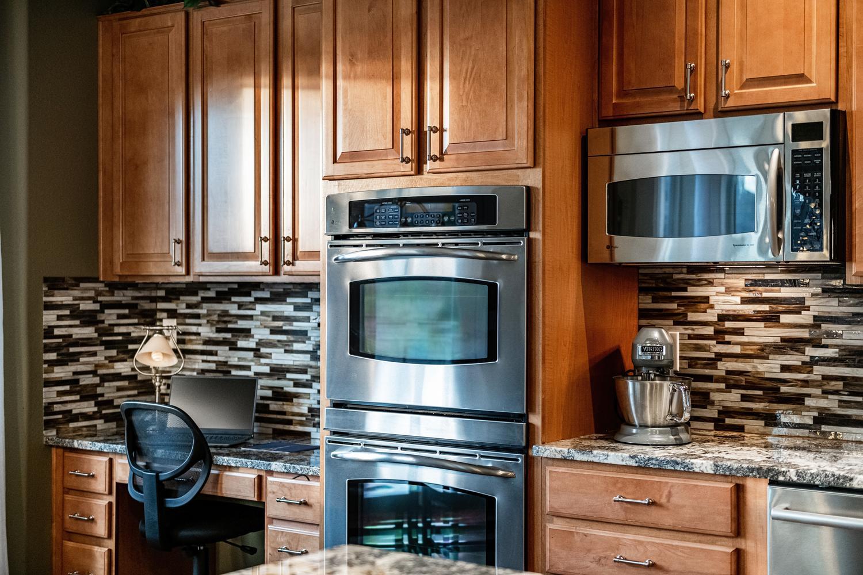 2407 Elkhorn Ranch St Parker-large-020-015-Kitchen Detail-1500x1000-72dpi.jpg