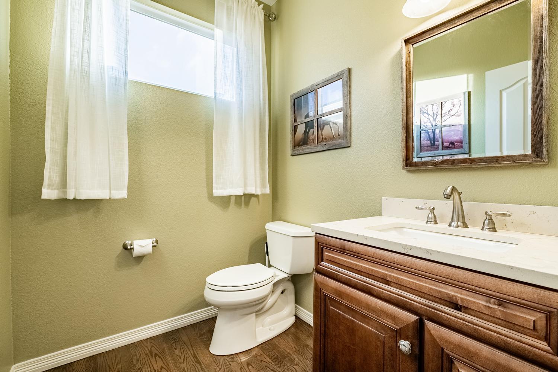 2407 Elkhorn Ranch St Parker-large-029-023-Powder Room-1500x1000-72dpi.jpg