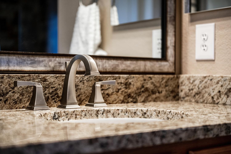 2407 Elkhorn Ranch St Parker-large-036-012-2nd Floor Master Bathroom-1500x1000-72dpi.jpg
