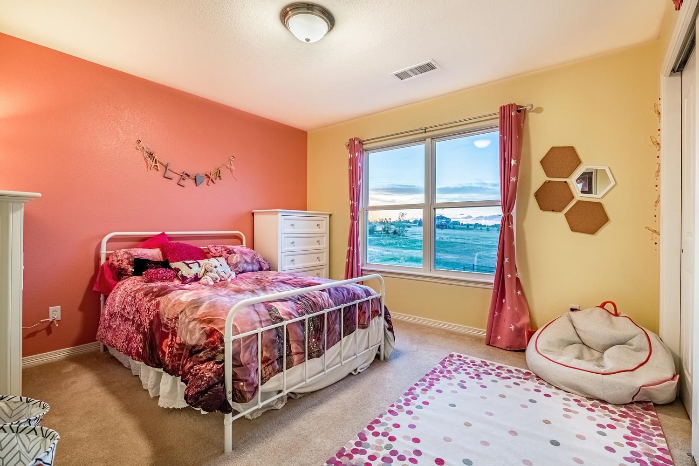 2407 Elkhorn Ranch St Parker-large-044-009-2nd Floor Bedroom-1500x1000-72dpi.jpg