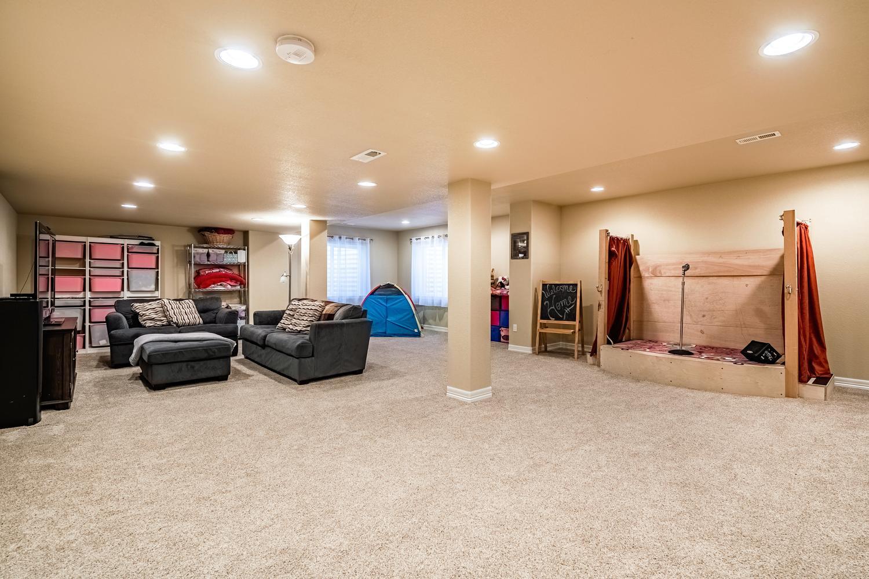 2407 Elkhorn Ranch St Parker-large-045-060-Lower Level Recreation Room-1500x1000-72dpi.jpg