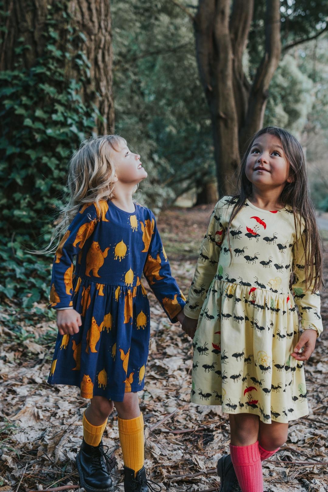 girls-walk-forest-commercial-photographer-siida-tasmania.jpg