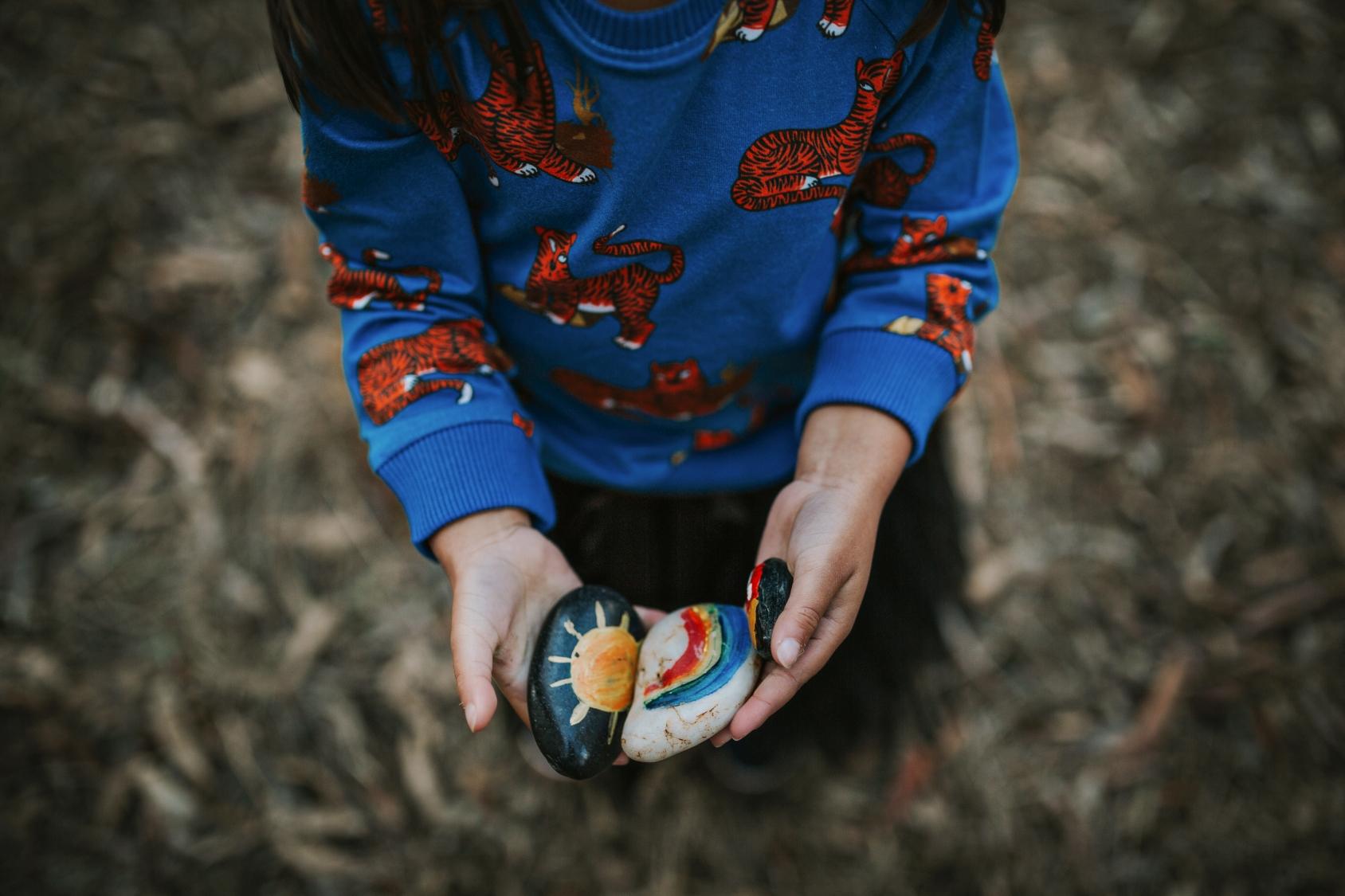 child-story-stones-fashion-photographer-siida-tasmania.jpg