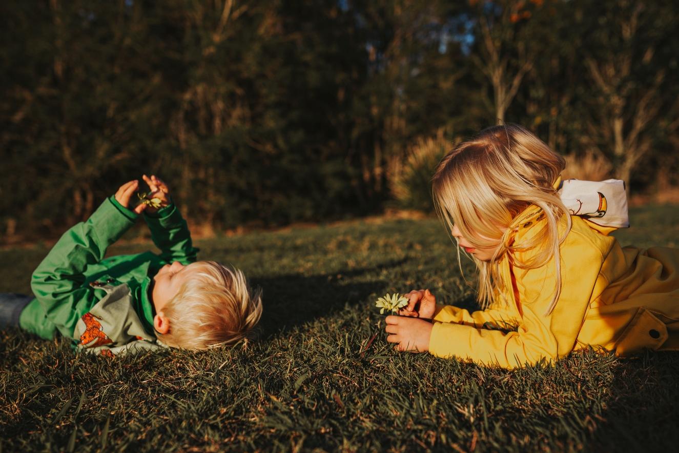 kids-play-nature-commercial-photographer-siida-tasmania.jpg