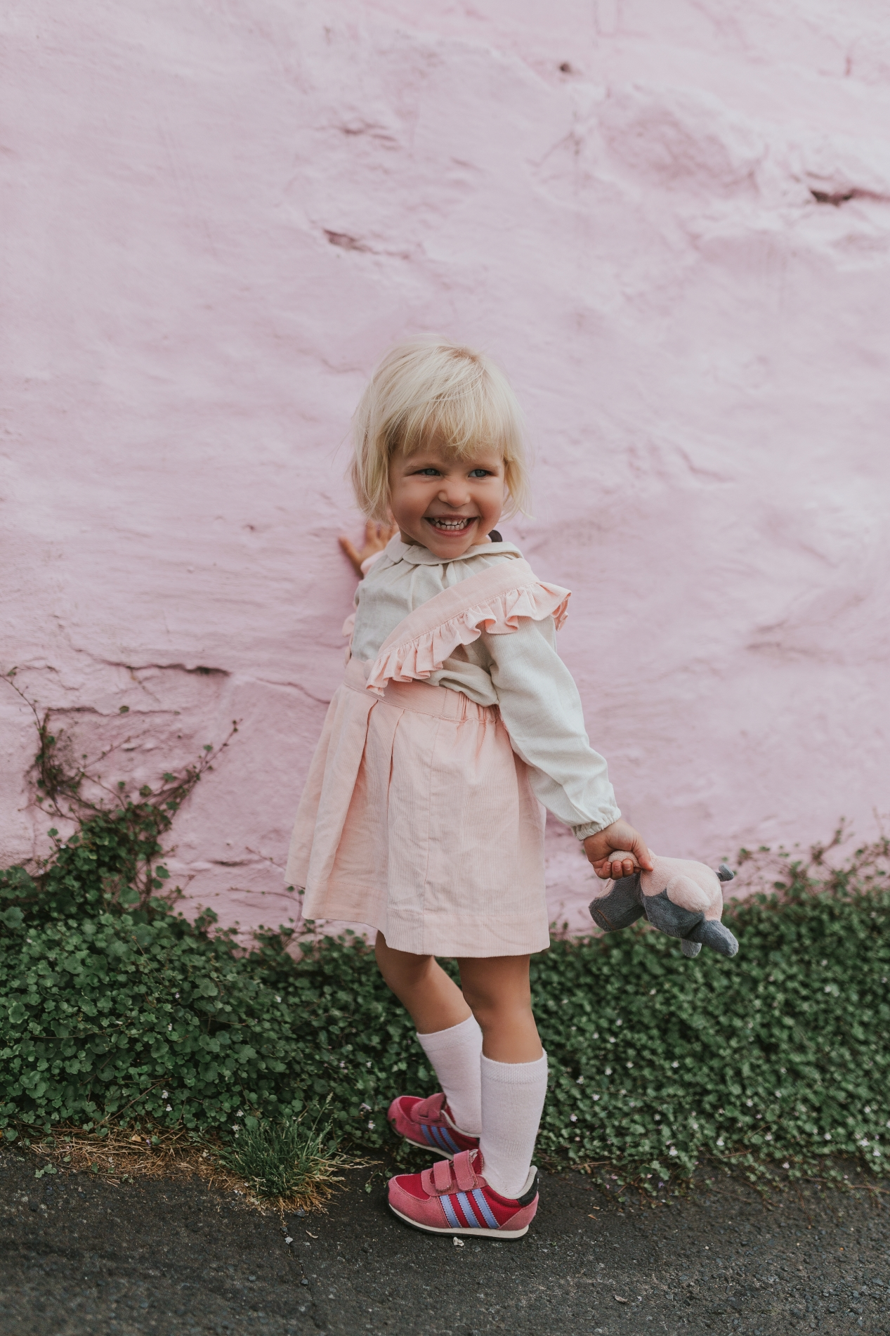 girl-pink-dress-photographer-siida-hobart-tasmania.jpg