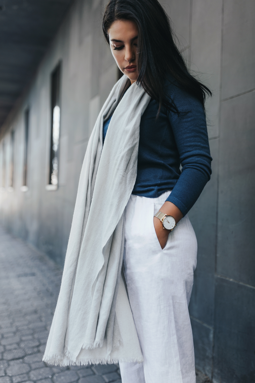 Model wears linen pants and scarf for ally and me.
