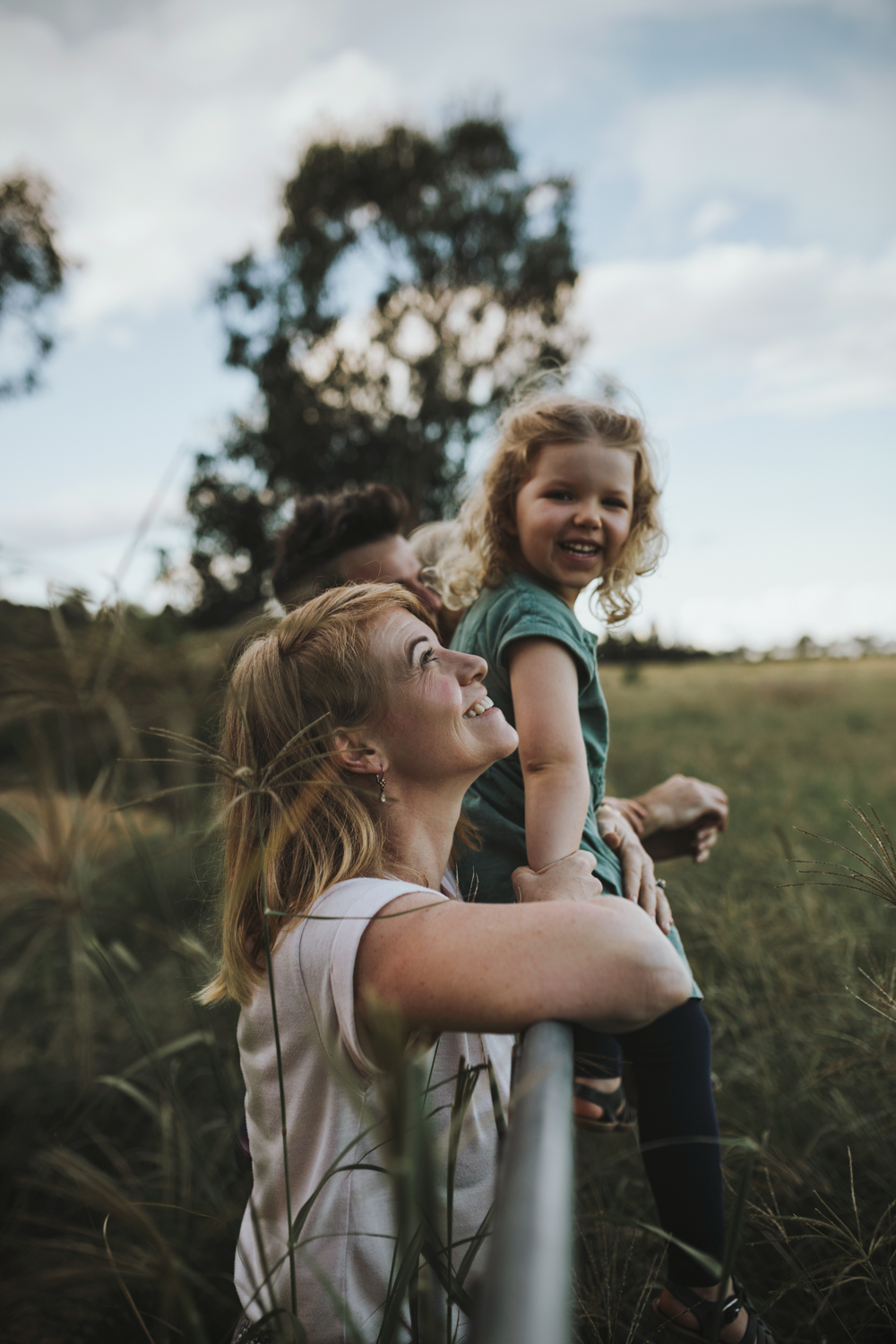 mother-daughter-outdoors-documentary-family-photography-siida-hobart.jpg