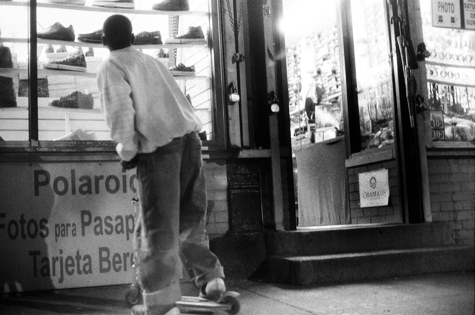 On the Street, New York City (2008)© Sarah Windels