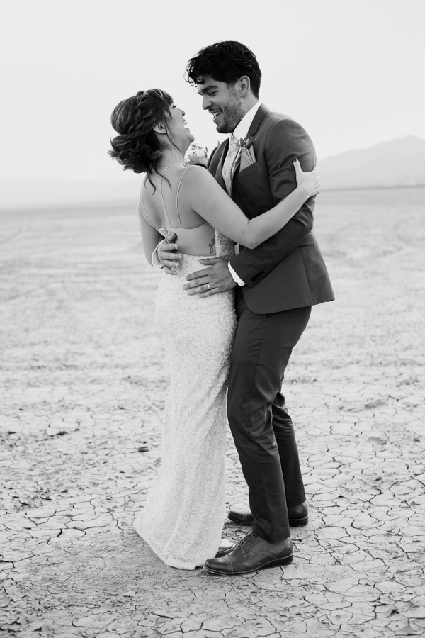 Pure Light Creative | S+I Dry Lake Bed Elopement-14.jpg