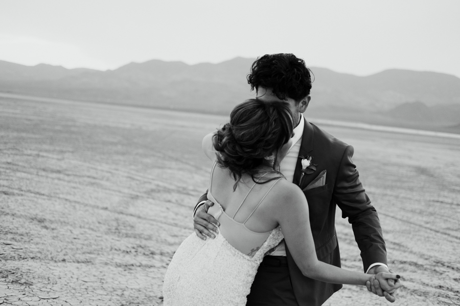 Pure Light Creative | S+I Dry Lake Bed Elopement-35.jpg