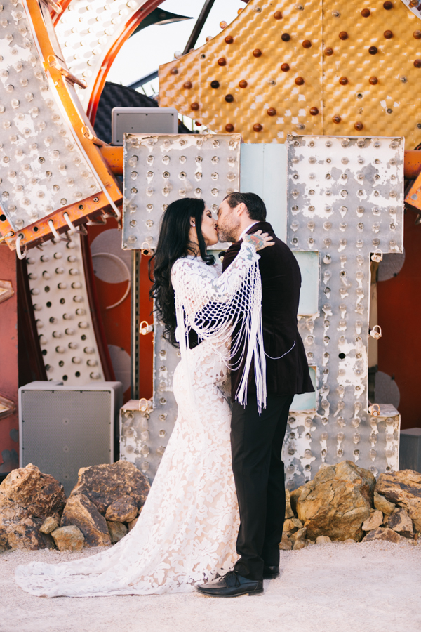Neon Museum Elopement | Pure Light Creative | K+B-31.jpg