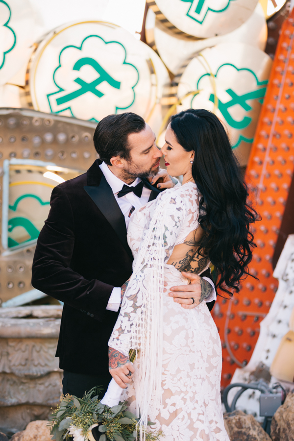 Neon Museum Elopement | Pure Light Creative | K+B-38.jpg