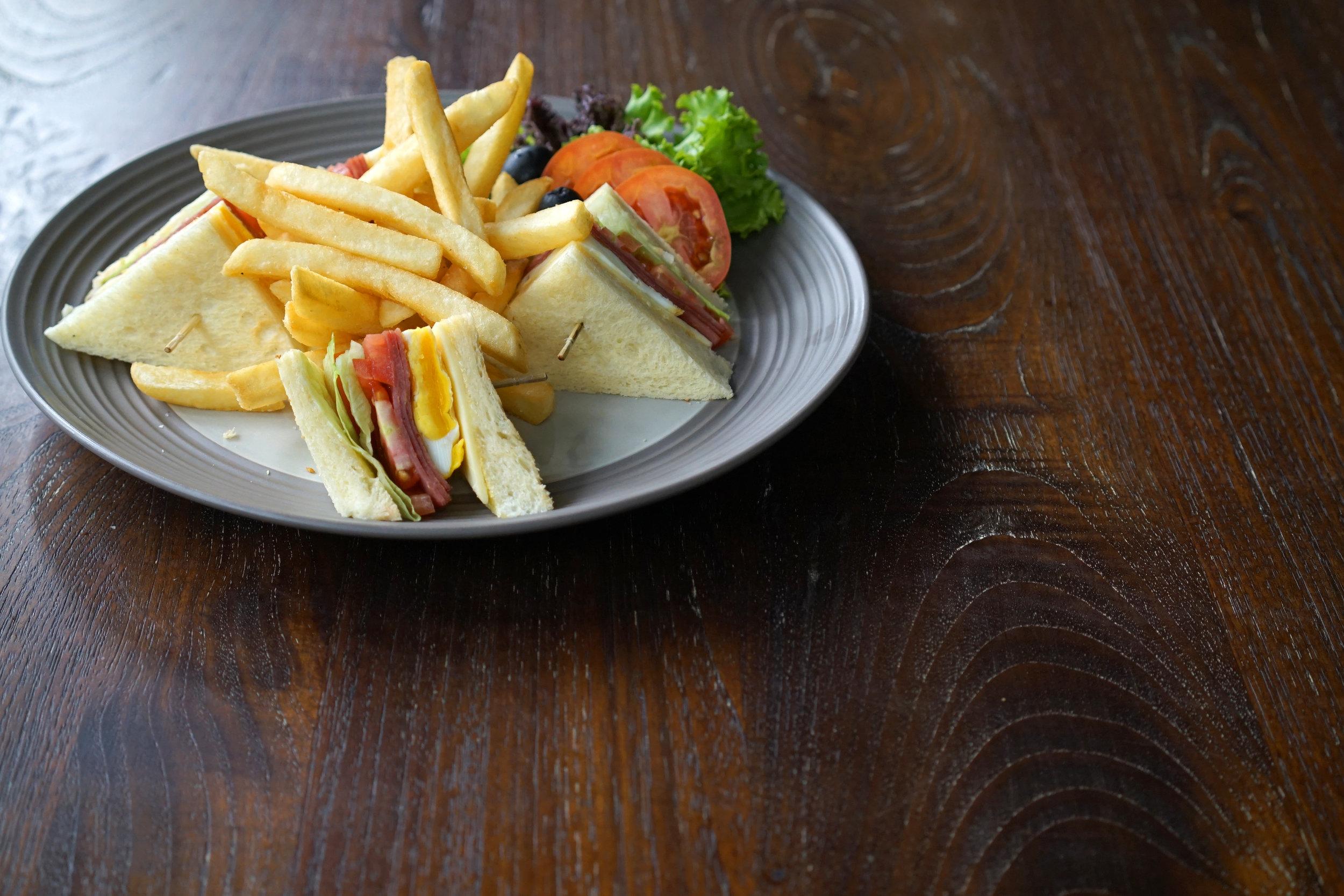 Club Sandwich 1.jpg