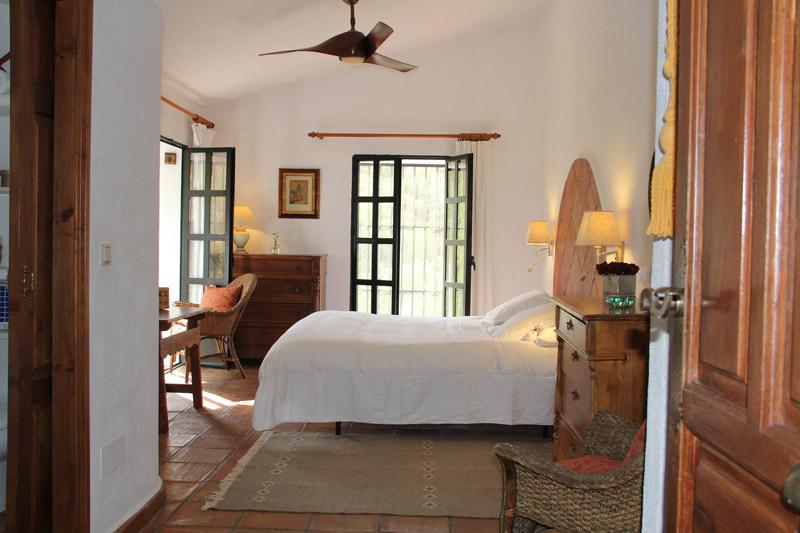 bedroom_1_large_villa_rental_ronda_andalusia_spain