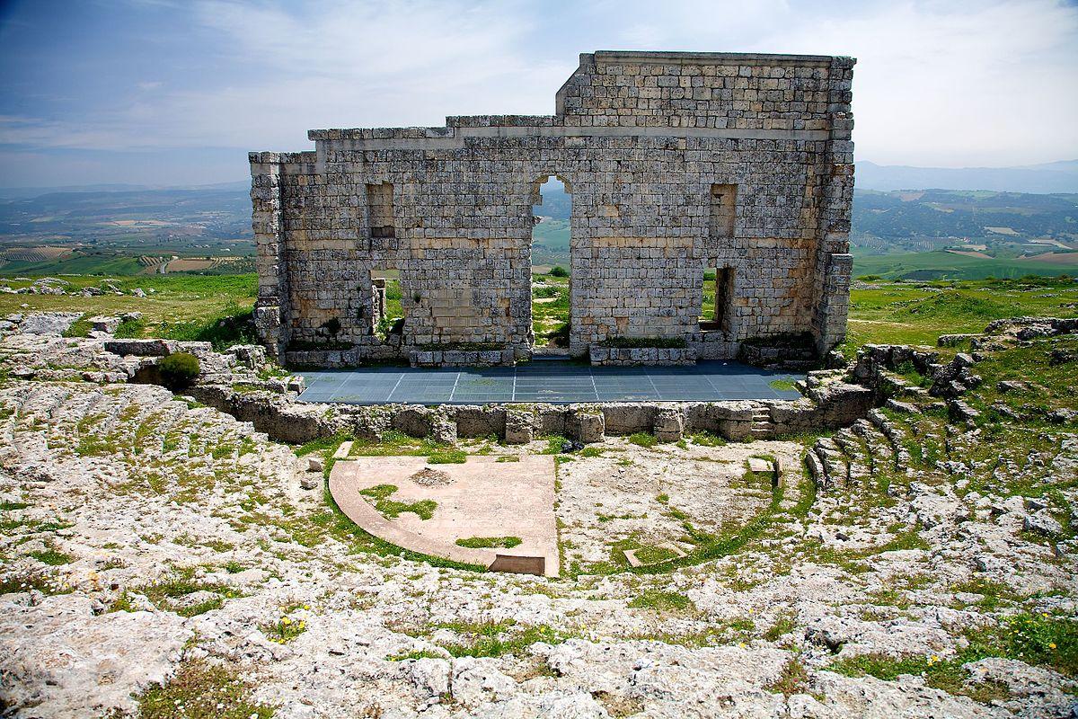 Roman_ruins_near_luxury_villa_rental_in_Ronda_Spain:_La_Cazalla de Ronda