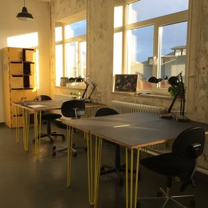FLEX ROOM - RENT A DESK:   - Erlend, Maj, Cecilie, Kristoffer