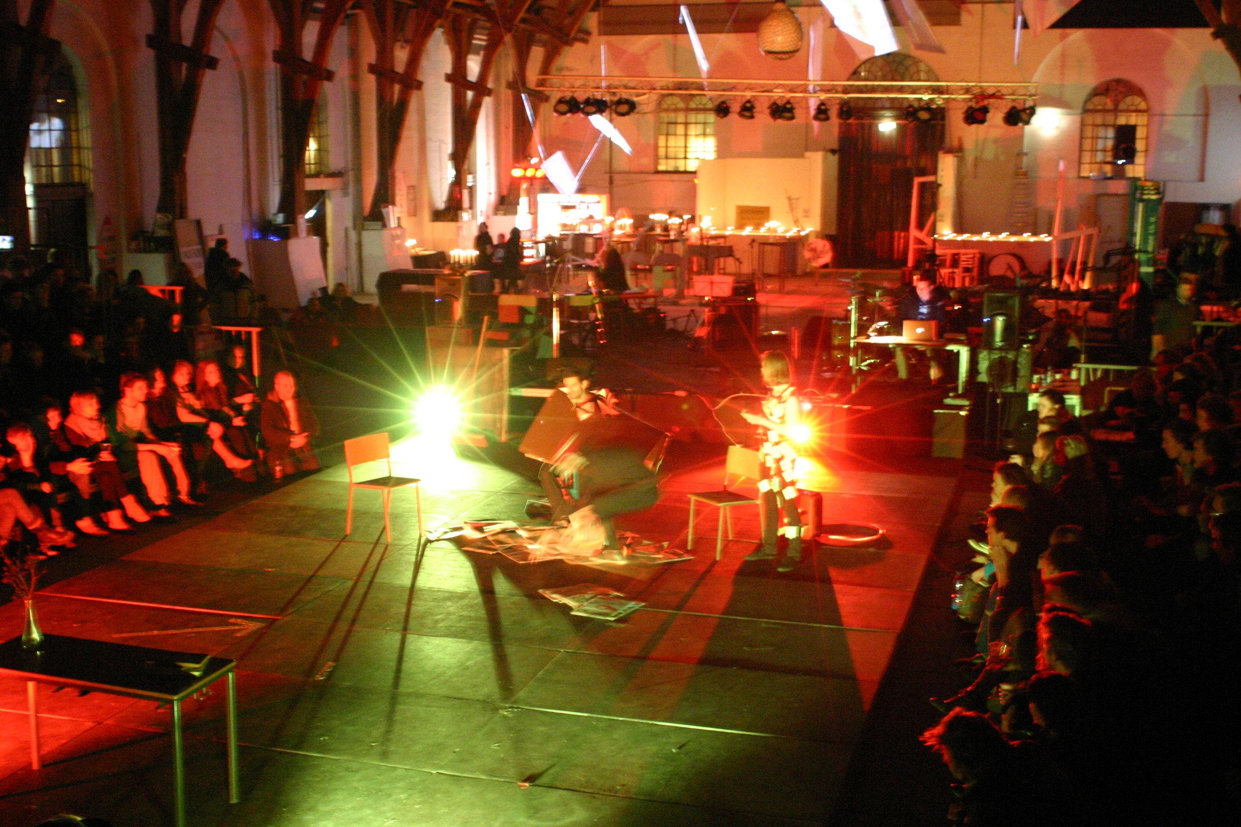 14:48 kulturproduktionsfestival i Ridehuset