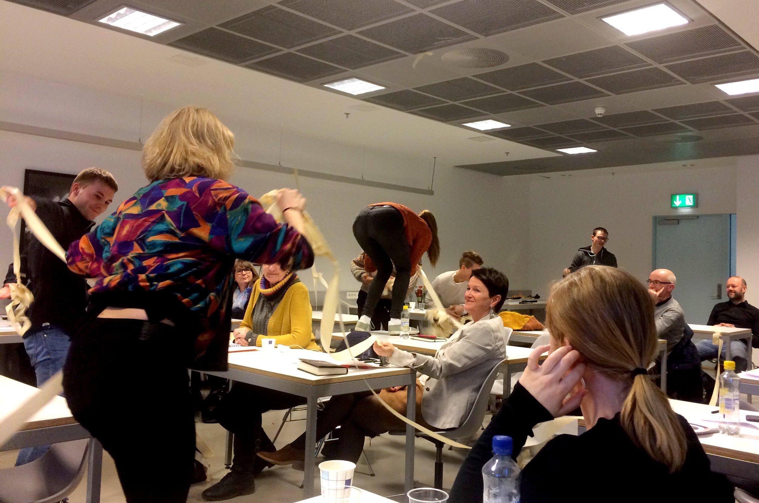 Rom for dans inntar møterommet. Foto: Karlina Fierro Nordgreen