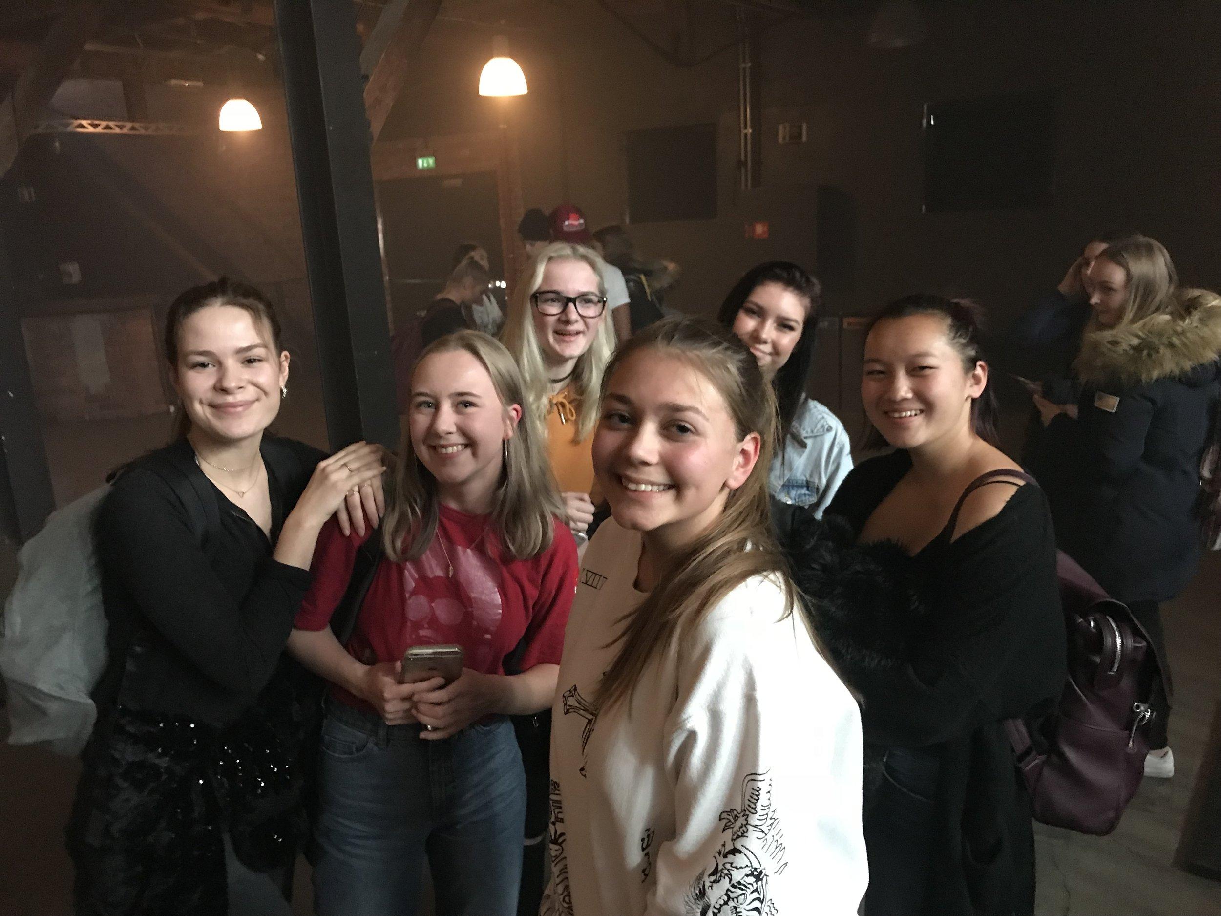 Fornøyde jenter