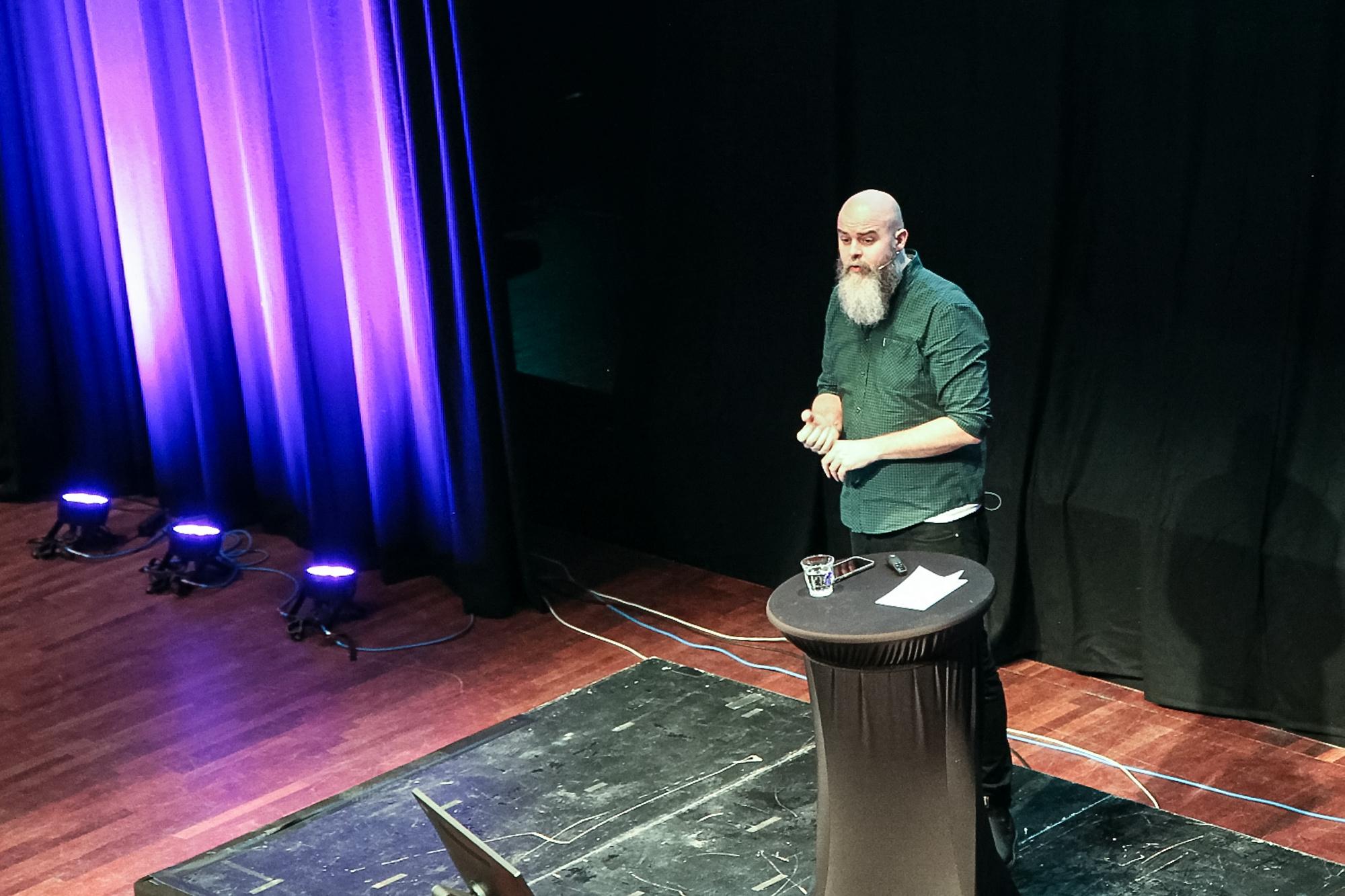 Matias Hilmar Iversen presenterte Kulturtankens prosjekt DKS-skole