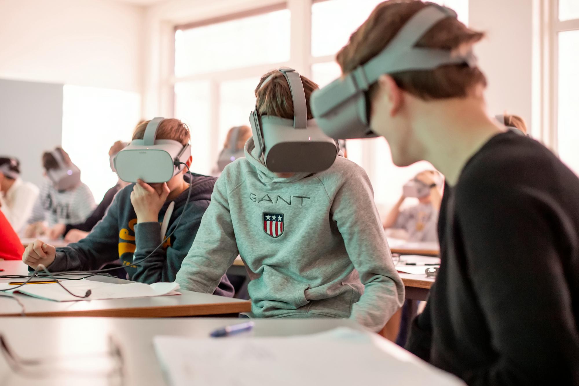 360 film og skriveoppgaver om hvernadre, fenger elevene