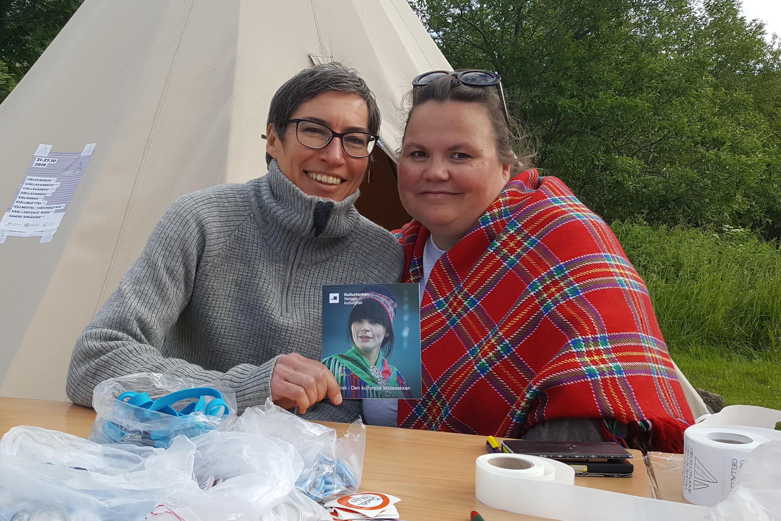 Kulturtankens fagansvarlig for kulturarv og leder av arbeidet for samisk satsing i DKS på nasjonalt nivå, Bente Aster, fikk dele stand sammen med Sametinget, her representert ved Siljá Somby.