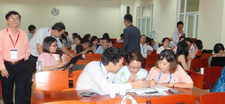 ベトナムの疫学研修での演習 Group work in the epidemiology training