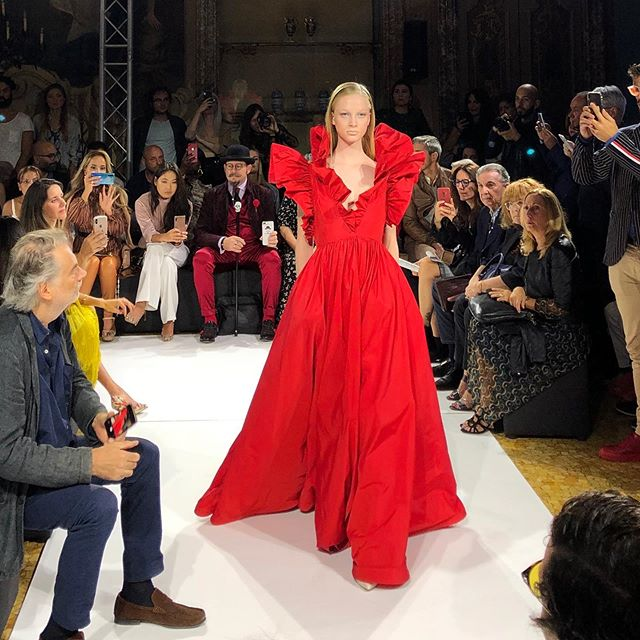 Lady in red. #gianlucaalibrando #milanosfilate #SS20 #letsgetdresseddc #yesshemay #emergingartist