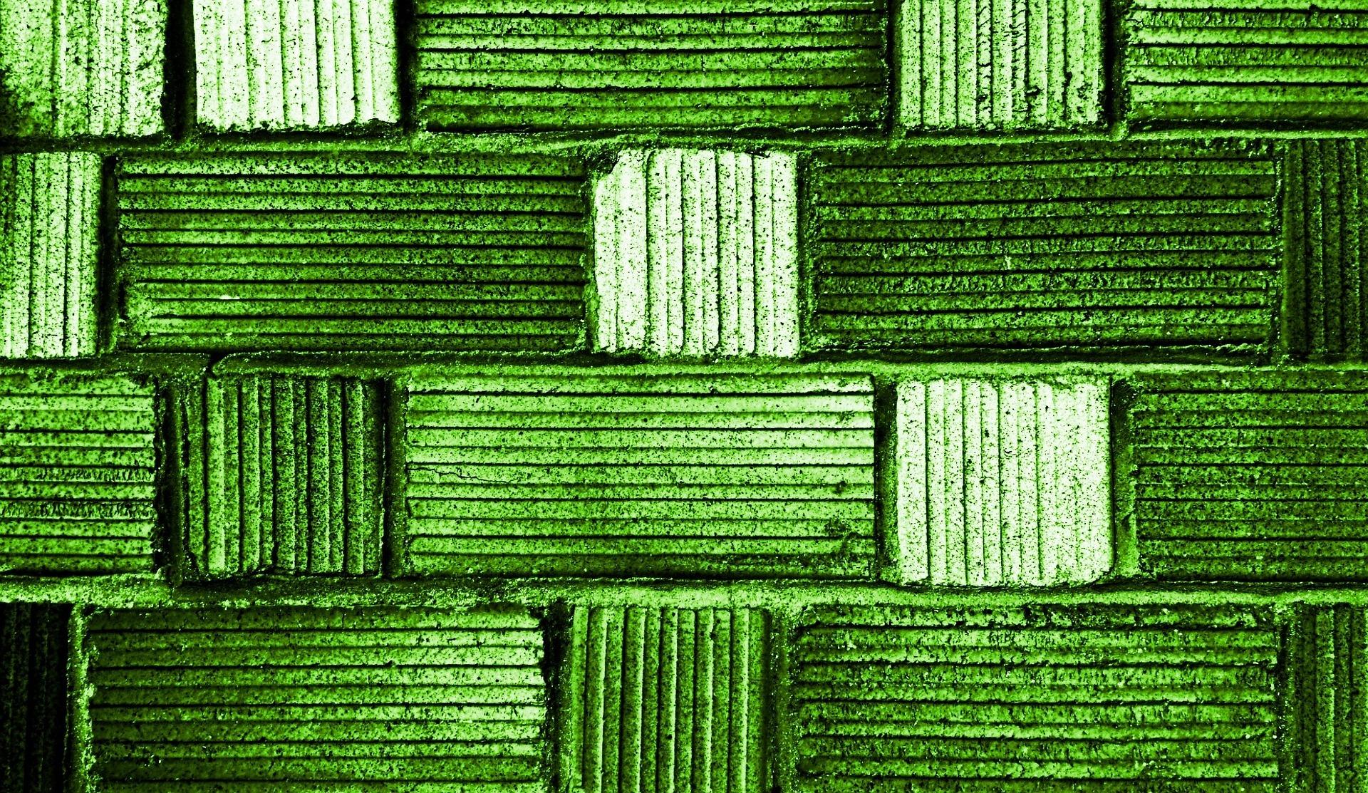 wall-813457_1920.jpg