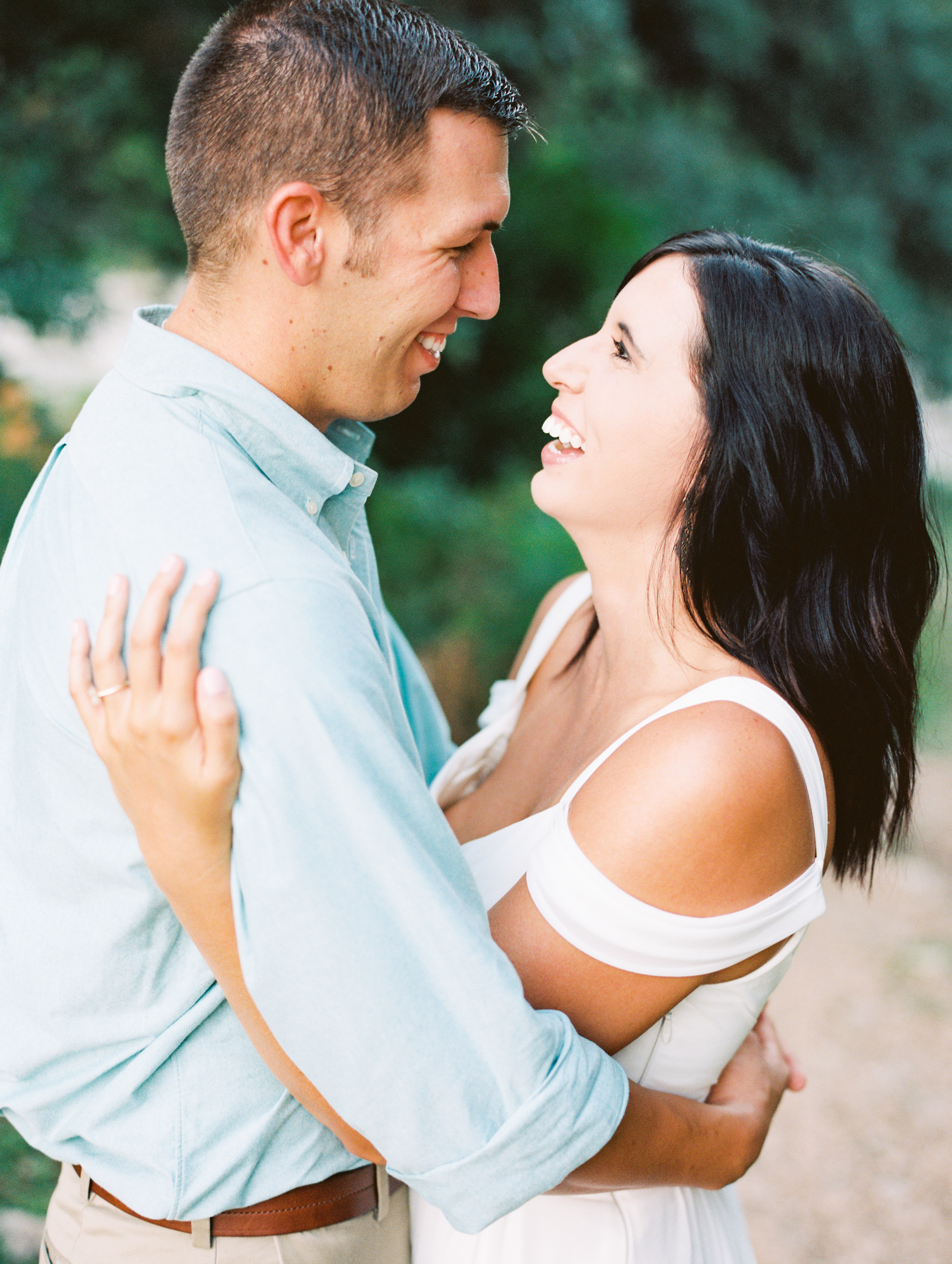 Austin Engagement Session | Austin Wedding Photographer | Austin Film Wedding Photographer, What to Wear For Engagement Session | britnidean.com | Britni Dean Photography