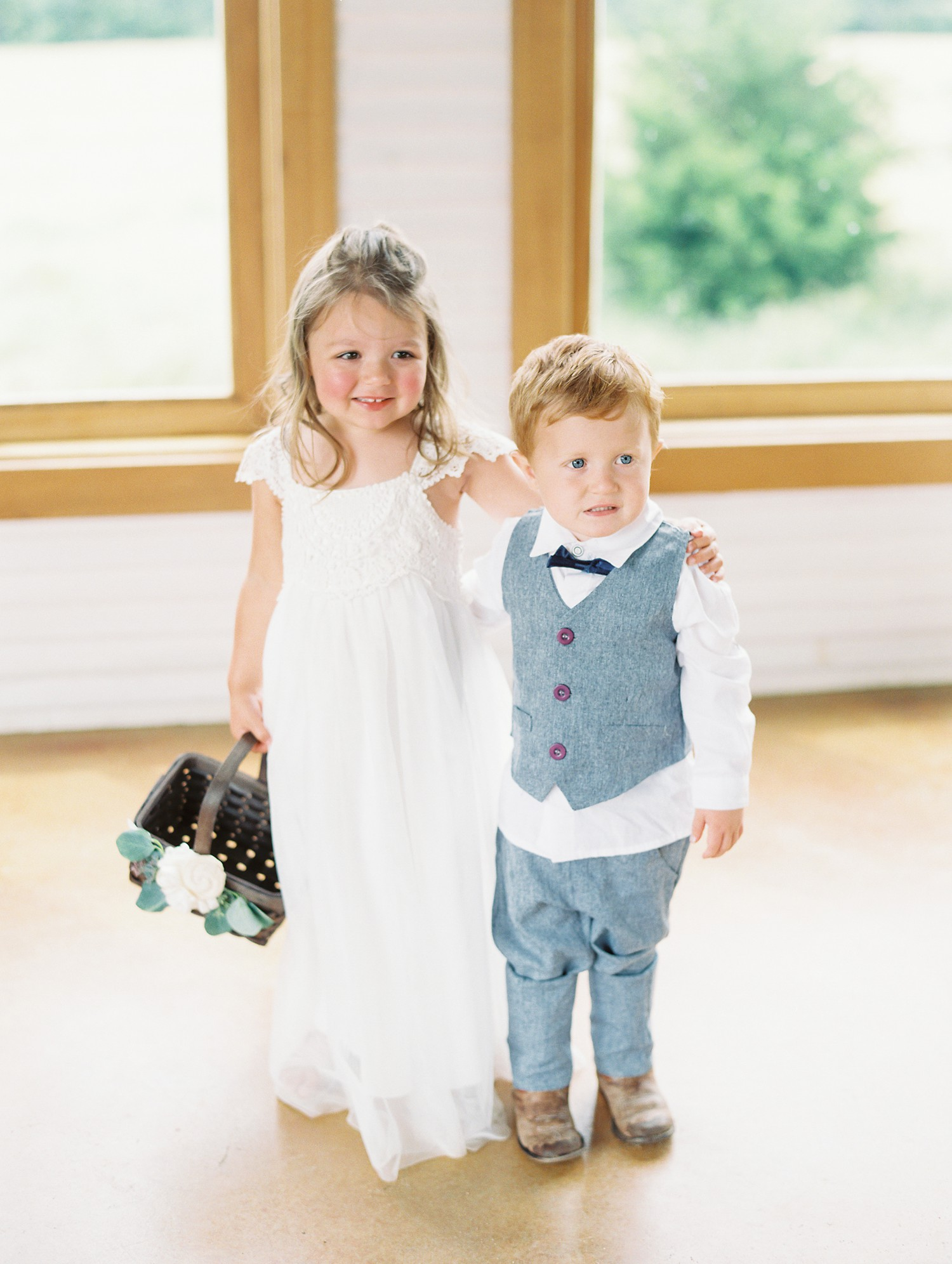 Flower Girl, Ring Bearer Outfits | Summer Wedding Inspiration | Fort Worth Wedding Photographer | The Brooks at Weatherford