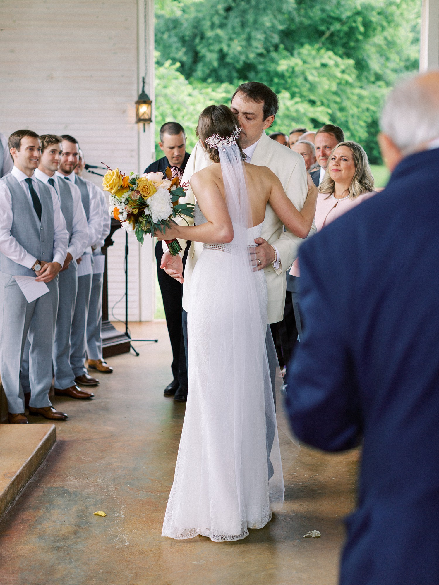 Intimate Wedding Ceremony | Summer Wedding Inspiration | Fort Worth Wedding Photographer | The Brooks at Weatherford